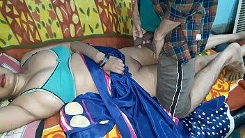 Первая вагинально-анальная ебля зрелой жёнушки с мужчиной рачком и в позе кама сутры наездницы